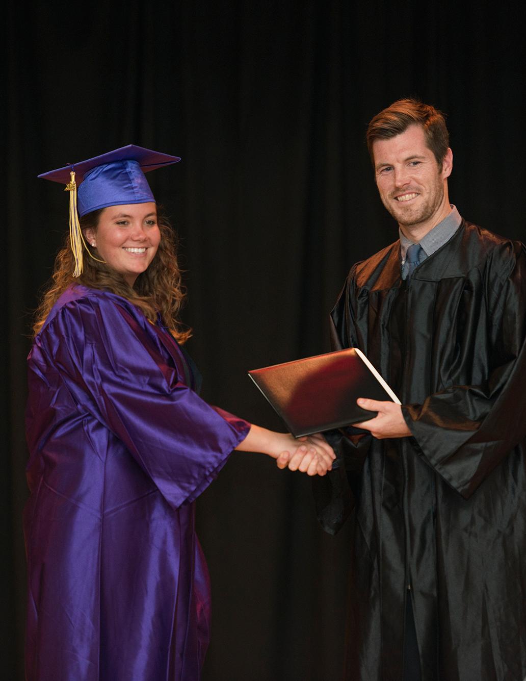 2016-graduation-19